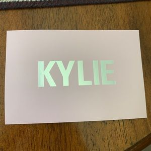 Kylie Cosmetics Makeup - Kylie Cosmetics x Koko True Mama Highlighter